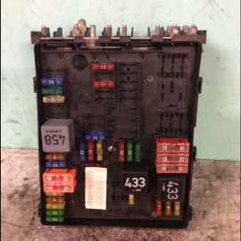 Fuse Box VW Golf 2004-2009 petrol 1.4