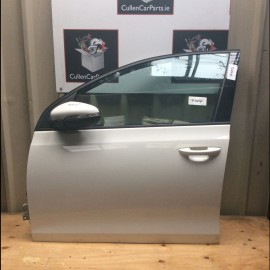 L Front Door Glass VW Golf 2009-2012 diesel 1.6